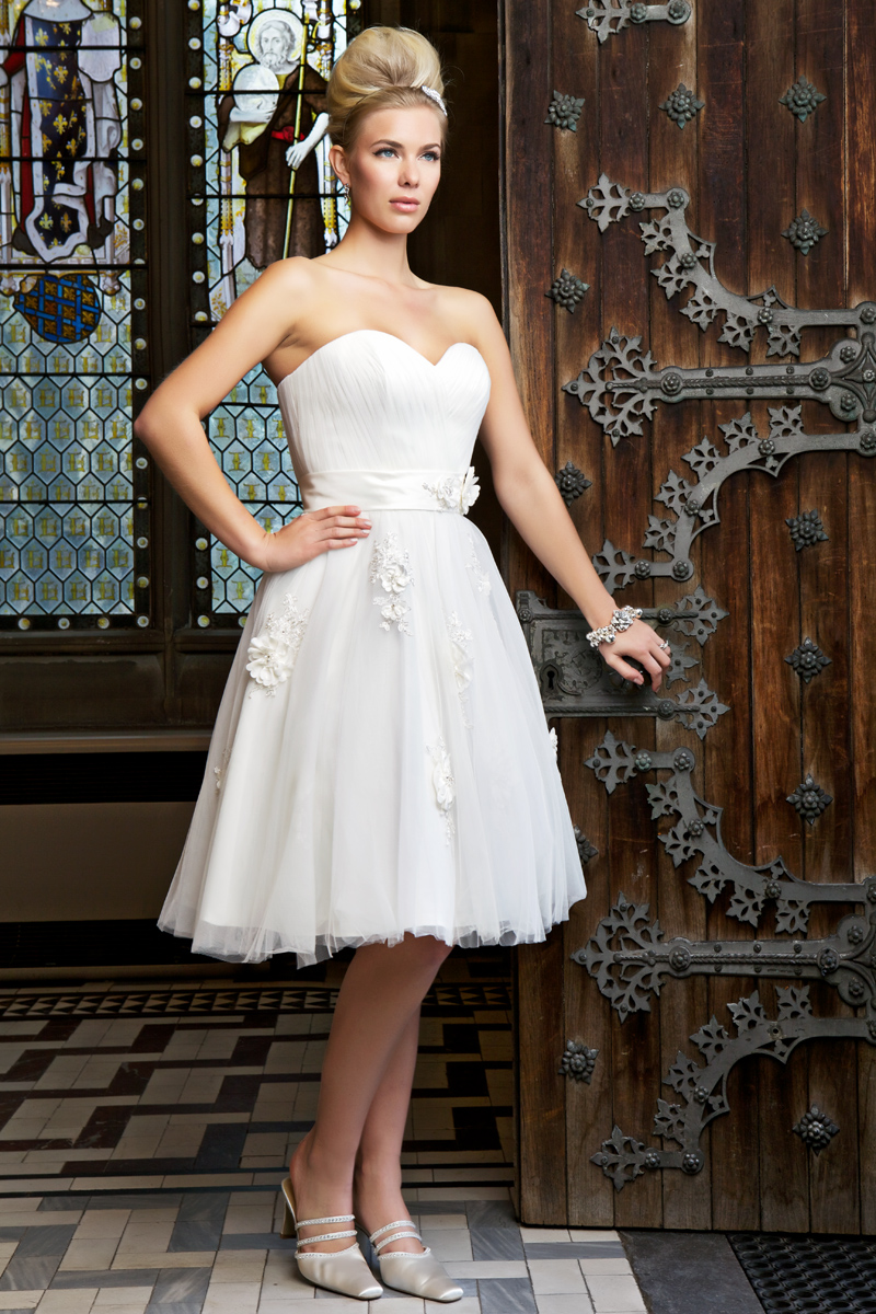 The pros and cons of short wedding dresses – Alexia Designs UK